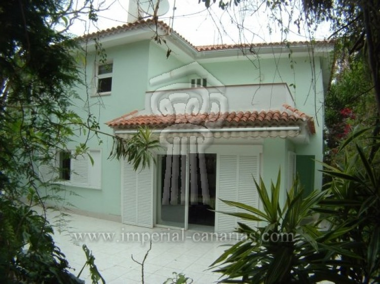 4 Bed  Villa/House for Sale, Puerto de la Cruz, Tenerife - IC-52568 3