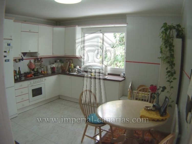 4 Bed  Villa/House for Sale, Puerto de la Cruz, Tenerife - IC-52568 9