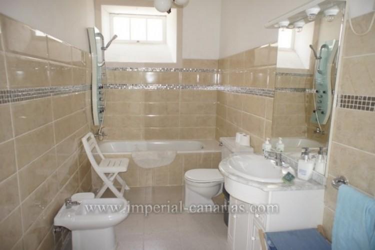 5 Bed  Villa/House for Sale, Santa Ursula, Tenerife - IC-52534 16