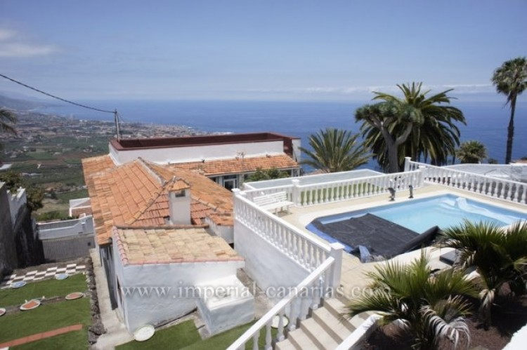 5 Bed  Villa/House for Sale, Santa Ursula, Tenerife - IC-52534 2