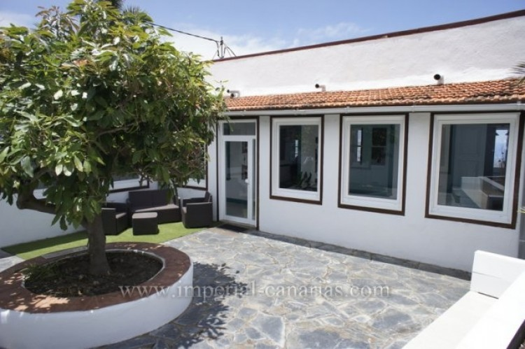 5 Bed  Villa/House for Sale, Santa Ursula, Tenerife - IC-52534 3