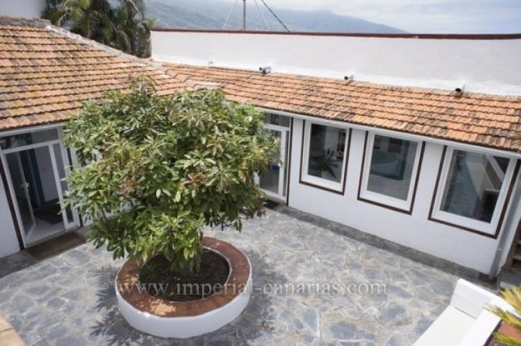 5 Bed  Villa/House for Sale, Santa Ursula, Tenerife - IC-52534 5