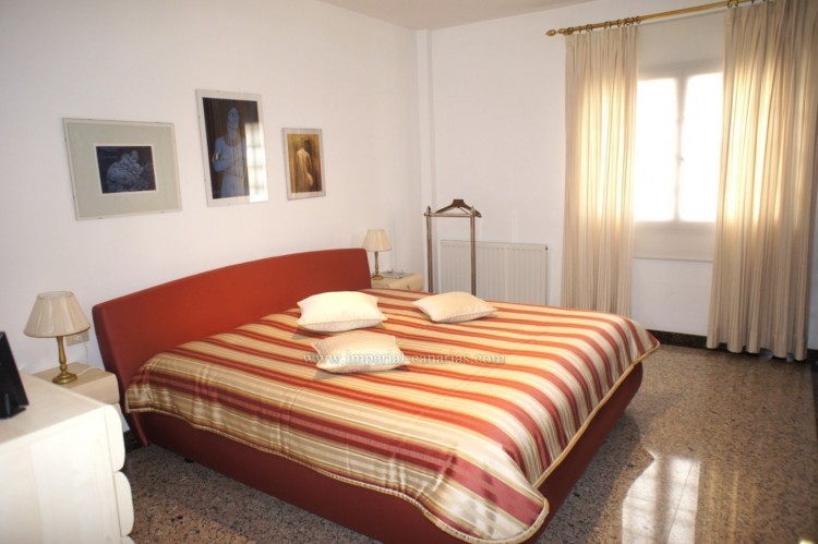 4 Bed  Villa/House for Sale, Puerto de la Cruz, Tenerife - IC-52459 11