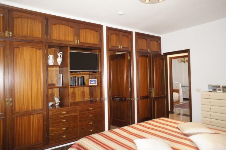 4 Bed  Villa/House for Sale, Puerto de la Cruz, Tenerife - IC-52459 12
