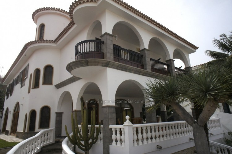 4 Bed  Villa/House for Sale, Puerto de la Cruz, Tenerife - IC-52459 2