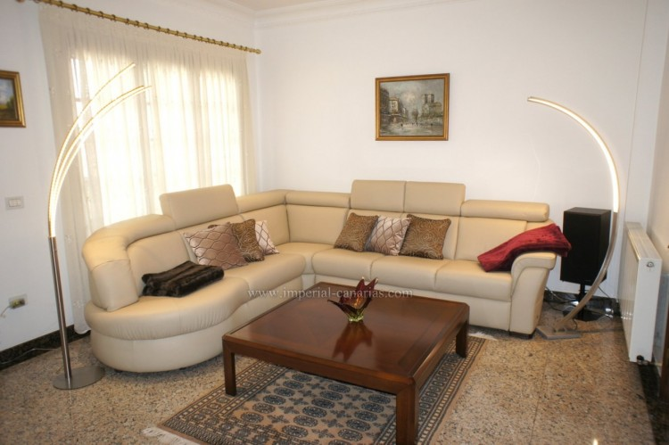 4 Bed  Villa/House for Sale, Puerto de la Cruz, Tenerife - IC-52459 8