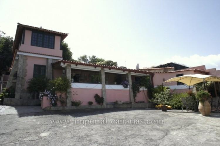 3 Bed  Villa/House for Sale, La Orotava, Tenerife - IC-VTR10240 1