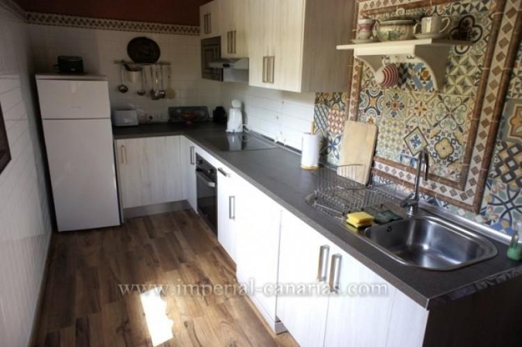 3 Bed  Villa/House for Sale, La Orotava, Tenerife - IC-VTR10240 14