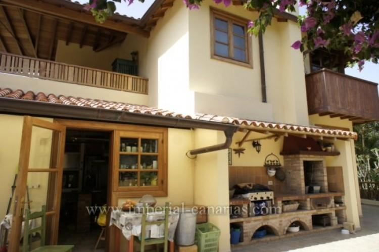 3 Bed  Villa/House for Sale, La Orotava, Tenerife - IC-VTR10240 4