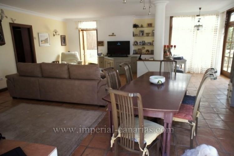 3 Bed  Villa/House for Sale, La Orotava, Tenerife - IC-VTR10240 9