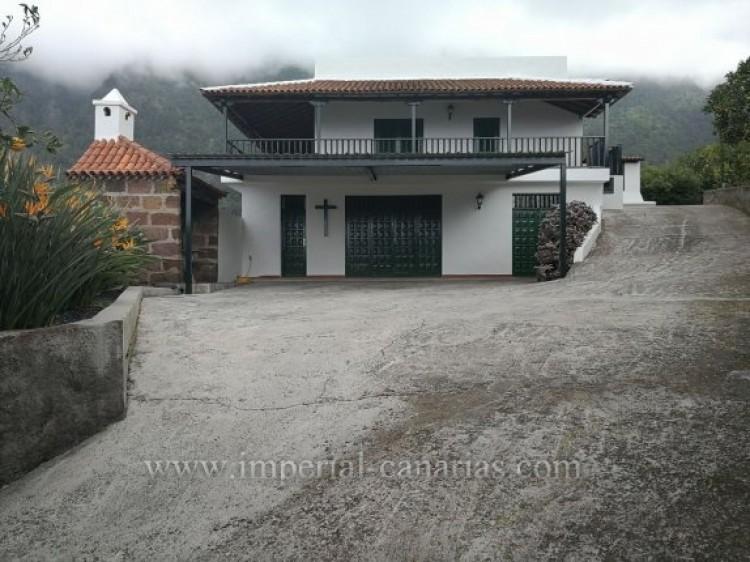 3 Bed  Villa/House for Sale, La Orotava, Tenerife - IC-VTR9916 1