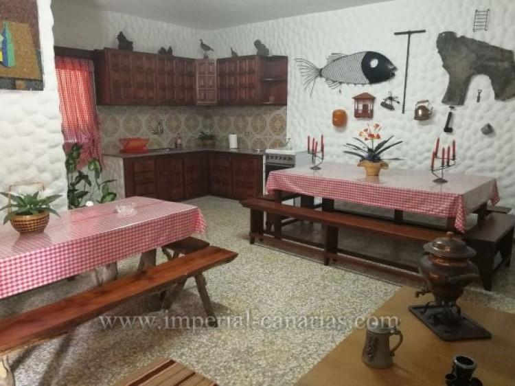 3 Bed  Villa/House for Sale, La Orotava, Tenerife - IC-VTR9916 9