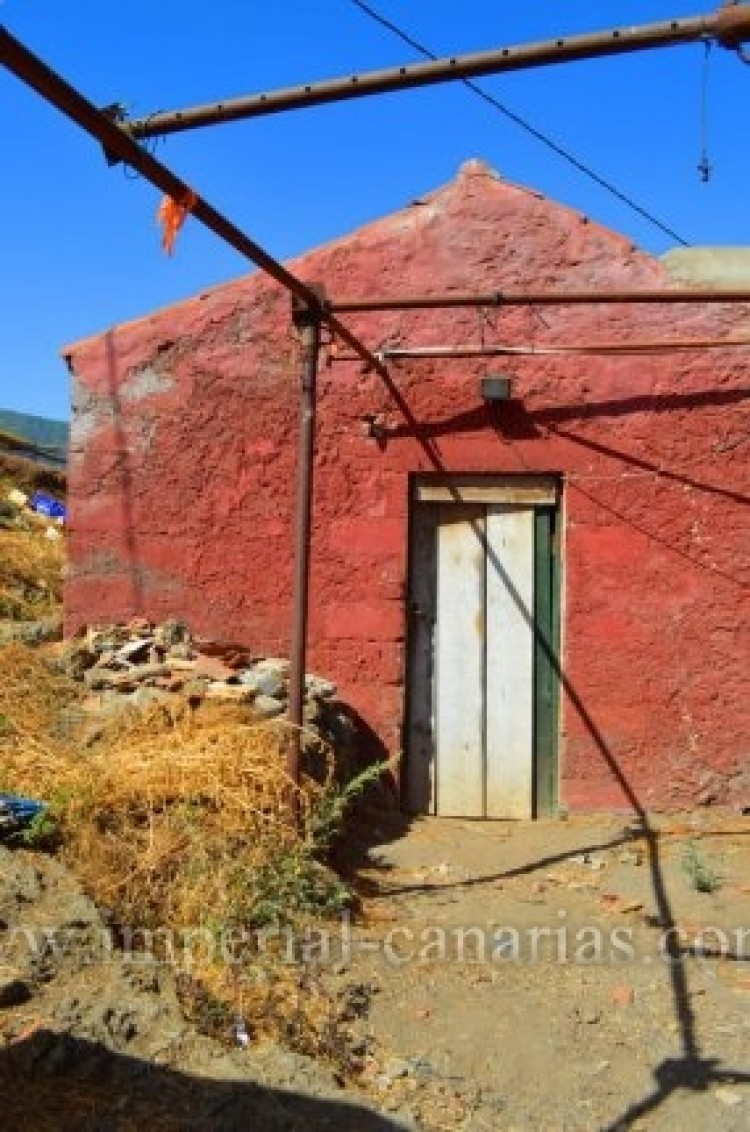 3 Bed  Villa/House for Sale, La Orotava, Tenerife - IC-VTR8625 2
