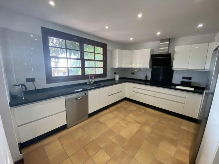 4 Bed  Villa/House for Sale, San Miguel de Abona, Tenerife - MP-V0714-4 4