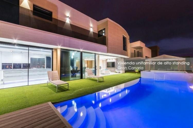 4 Bed  Villa/House for Sale, Las Palmas, Playa del Hombre - Taliarte - Salinetas, Gran Canaria - DI-16796 1