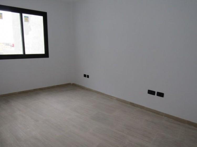 3 Bed  Flat / Apartment for Sale, Santa Cruz de Tenerife, Tenerife - PR-PIS0086VJD 8
