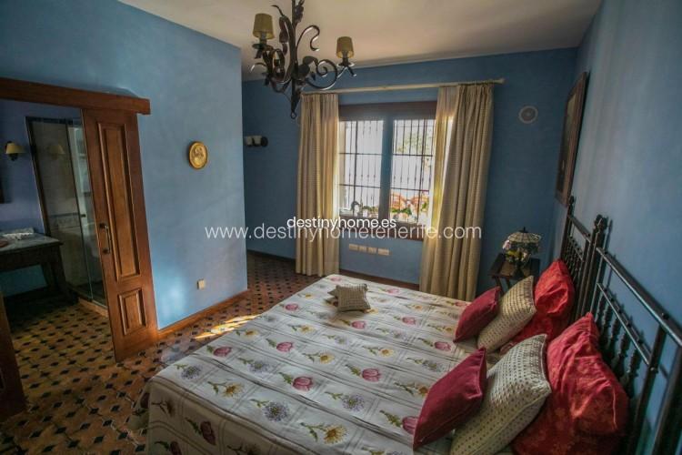 4 Bed  Villa/House for Sale, Adeje, Santa Cruz de Tenerife, Tenerife - DH-VPTVLUJOG4H_11-19 10