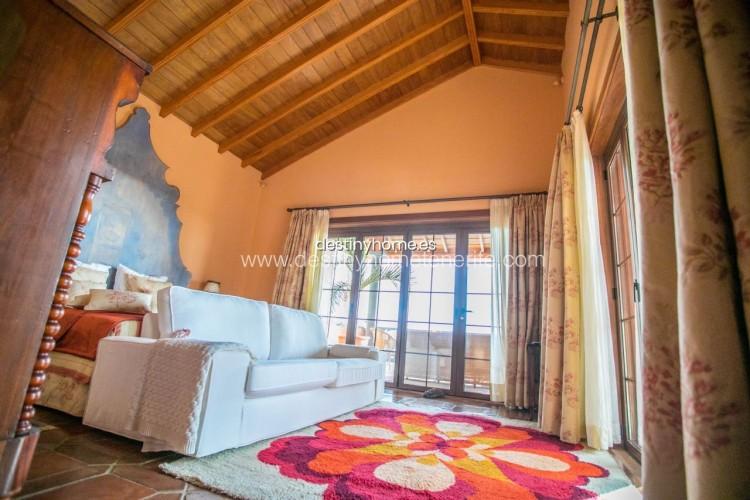 4 Bed  Villa/House for Sale, Adeje, Santa Cruz de Tenerife, Tenerife - DH-VPTVLUJOG4H_11-19 20