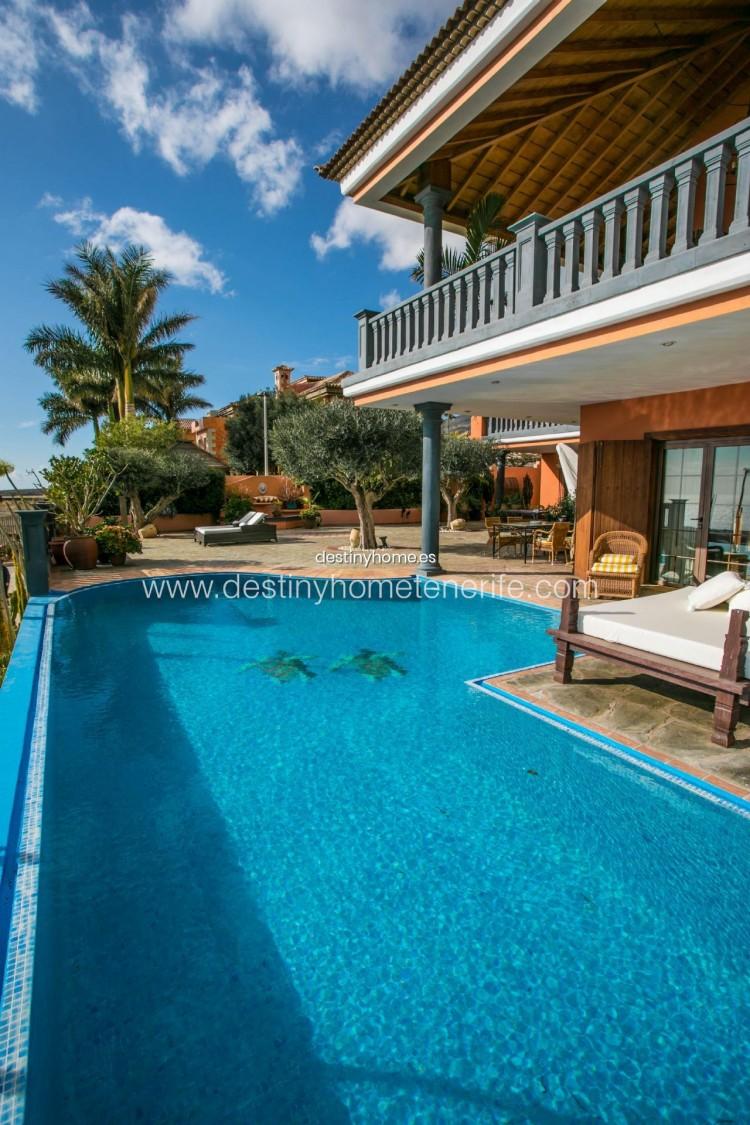 4 Bed  Villa/House for Sale, Adeje, Santa Cruz de Tenerife, Tenerife - DH-VPTVLUJOG4H_11-19 3