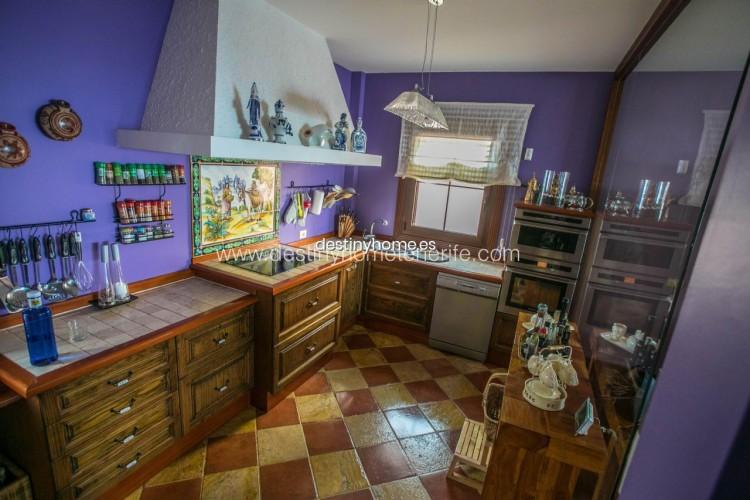 4 Bed  Villa/House for Sale, Adeje, Santa Cruz de Tenerife, Tenerife - DH-VPTVLUJOG4H_11-19 8