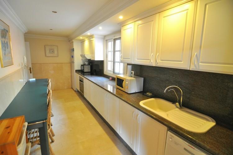 3 Bed  Flat / Apartment for Sale, Costa Adeje (El Duque), Tenerife - NP-01749 10