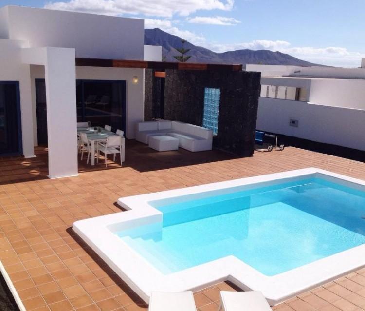 3 Bed  Villa/House for Sale, Playa Blanca, Lanzarote - LA-LA935s 1