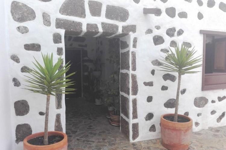 9 Bed  Country House/Finca for Sale, Tinajo, Lanzarote - LA-LA934s 1