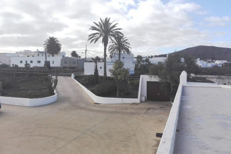9 Bed  Country House/Finca for Sale, Tinajo, Lanzarote - LA-LA934s 2