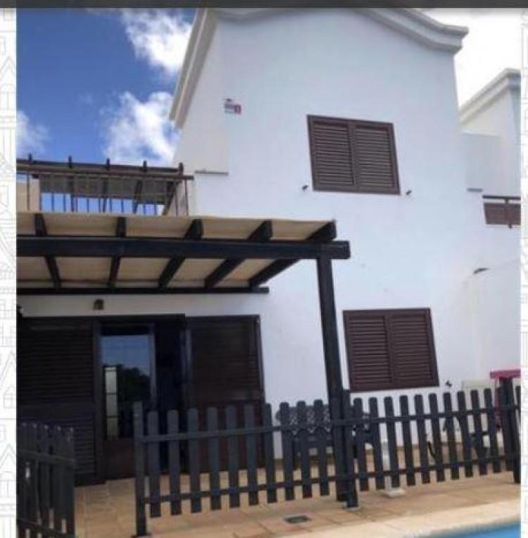 2 Bed  Villa/House for Sale, Playa Blanca, Lanzarote - LA-LA937s 1