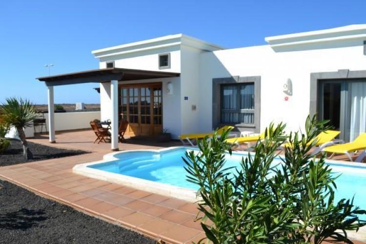 2 Bed  Villa/House for Sale, Playa Blanca, Lanzarote - LA-LA941s 1