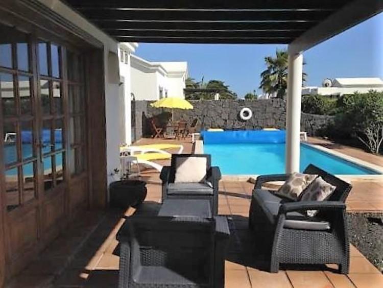 2 Bed  Villa/House for Sale, Playa Blanca, Lanzarote - LA-LA941s 3