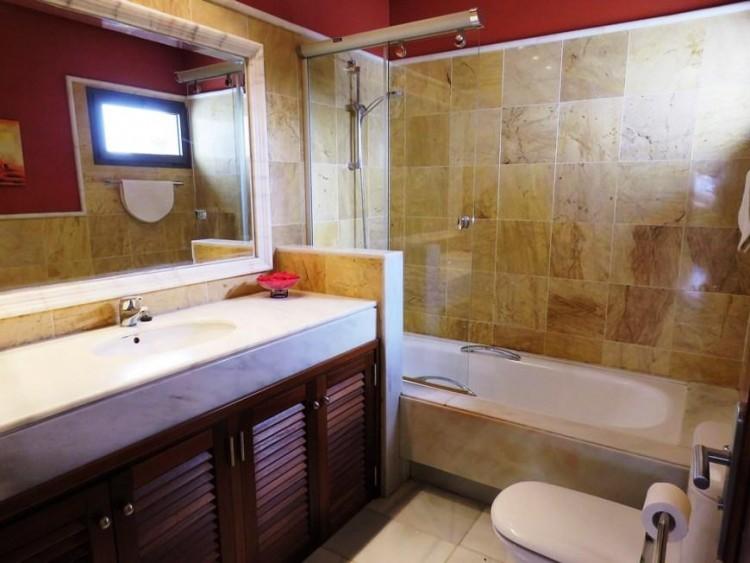 2 Bed  Villa/House for Sale, Playa Blanca, Lanzarote - LA-LA941s 7