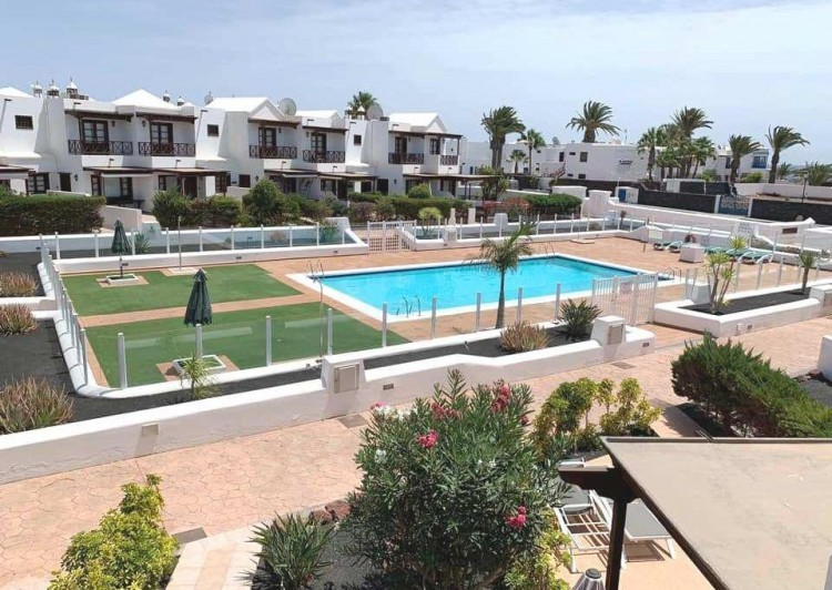 3 Bed  Villa/House for Sale, Playa Blanca, Lanzarote - LA-LA945s 2
