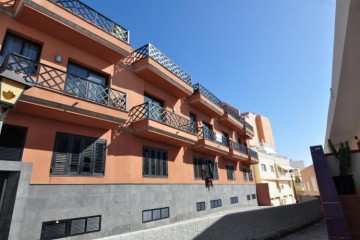 2 Bed  Flat / Apartment for Sale, Puerto de Santiago, Santa Cruz de Tenerife, Tenerife - SB-SB-261
