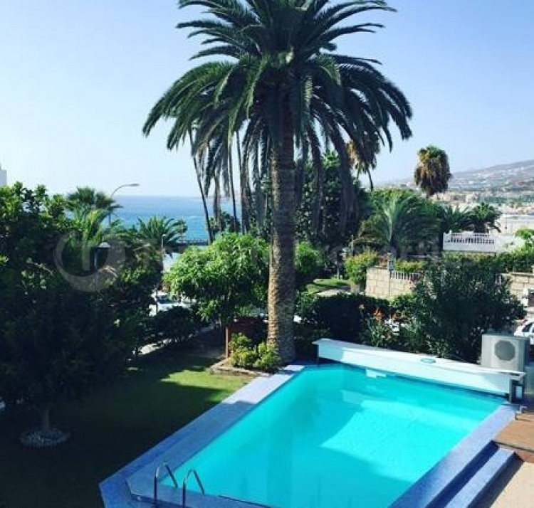 4 Bed  Villa/House for Sale, Puerto Colon, San Eugenio, Tenerife - TP-16460 10