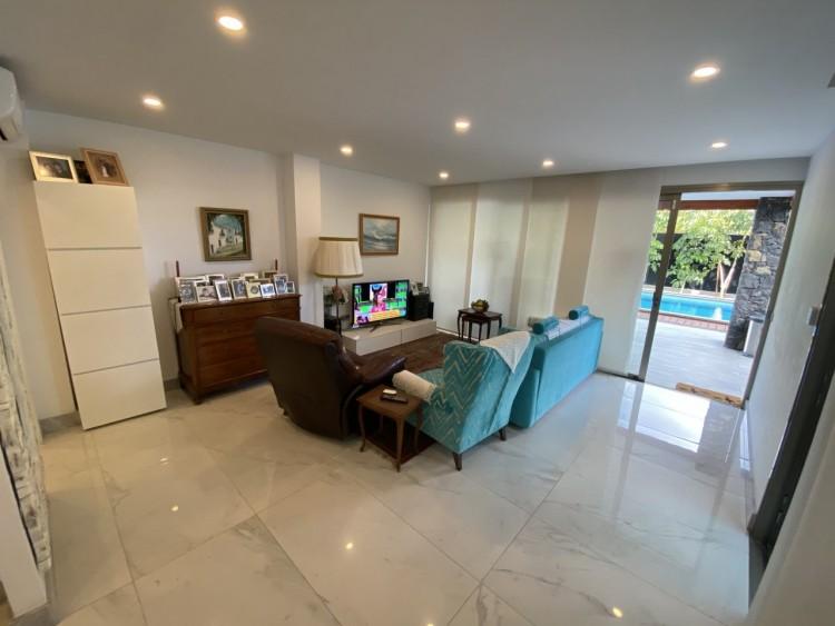 4 Bed  Villa/House for Sale, Los Cristianos, Arona, Tenerife - MP-V0716-4 16