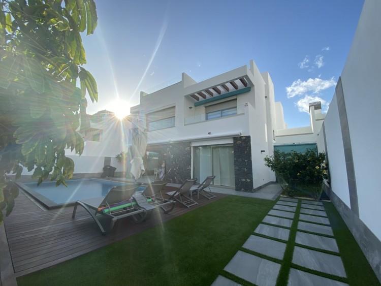 4 Bed  Villa/House for Sale, Los Cristianos, Arona, Tenerife - MP-V0716-4 18