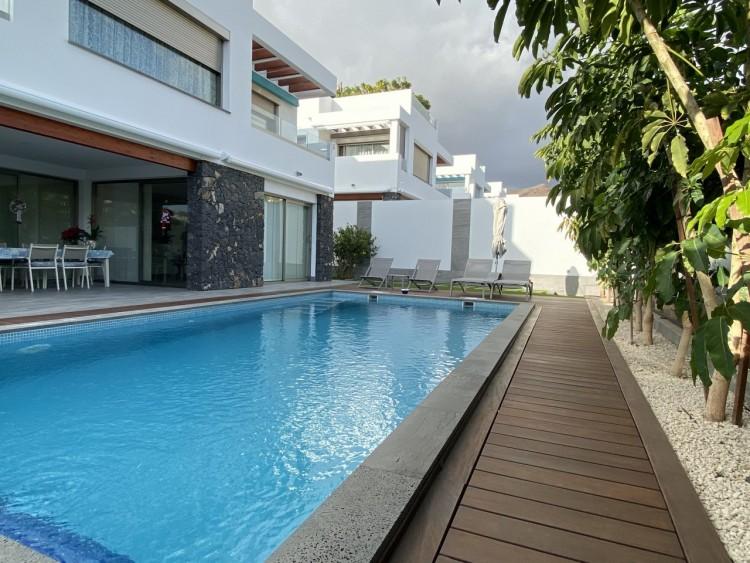 4 Bed  Villa/House for Sale, Los Cristianos, Arona, Tenerife - MP-V0716-4 6