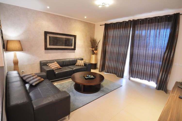 2 Bed  Villa/House for Sale, Costa Adeje, Santa Cruz de Tenerife, Tenerife - DH-VPTJMSTFUE22_12-19 3