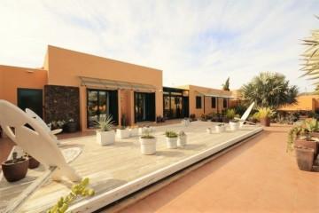 3 Bed  Villa/House for Sale, Corralejo, Las Palmas, Fuerteventura - DH-VPTCORTAM-120