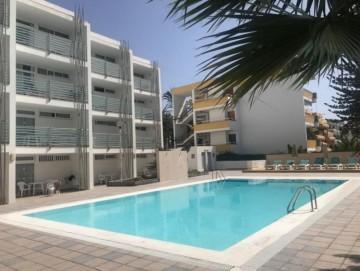 2 Bed  Flat / Apartment for Sale, Las Palmas, Playa del Inglés, Gran Canaria - OI-17053
