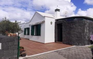 3 Bed  Villa/House for Sale, Uga, Lanzarote - LA-LA954s