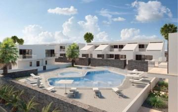 2 Bed  Villa/House for Sale, Costa Teguise, Lanzarote - LA-LA995s