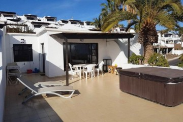1 Bed  Flat / Apartment for Sale, Puerto Del Carmen, Lanzarote - LA-LA959s