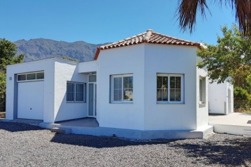 2 Bed  Villa/House for Sale, El Barrial, El Paso, La Palma - LP-E651