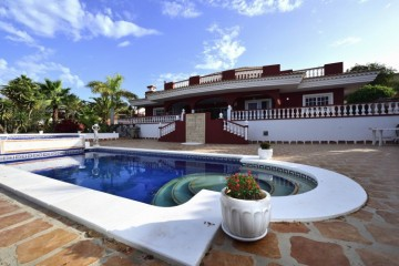 4 Bed  Villa/House for Sale, Playa Paraiso, Tenerife - NP-02991