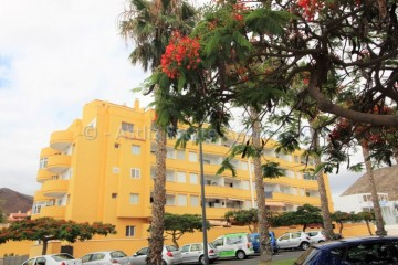1 Bed  Flat / Apartment for Sale, Los Cristianos, Arona, Tenerife - AZ-1442