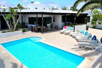 4 Bed  Villa/House for Sale, Costa Teguise, Lanzarote - LA-LA963s