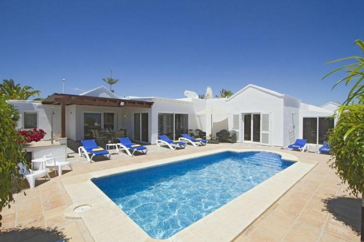 3 Bed  Villa/House for Sale, Puerto Del Carmen, Lanzarote - LA-LA964s 1