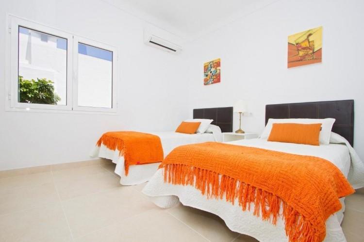 3 Bed  Villa/House for Sale, Puerto Del Carmen, Lanzarote - LA-LA964s 12